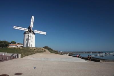 le moulin et ses maisons de Jard sur Mer